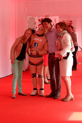 CRASH-TEST DUMMY Walk-Act | Bostoen Event