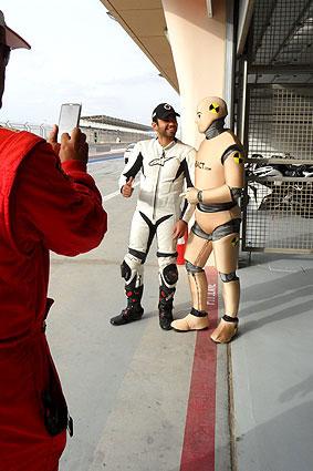 DUMMY on Tour | F1 Bahrain Circuit