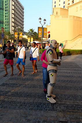 DUMMY on Tour   Shopping Festival Dubai Marina